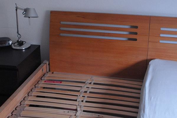 Bett aus Rotbuche